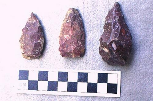 Red chert points