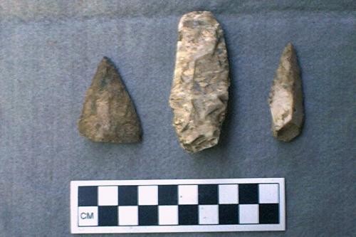 White chert points